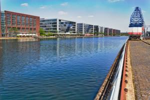 Sicht auf den Duisburger Innenhafen